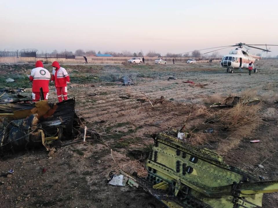 Самолет рухнул через несколько минут после взлета. Фото: Красный Полумесяц