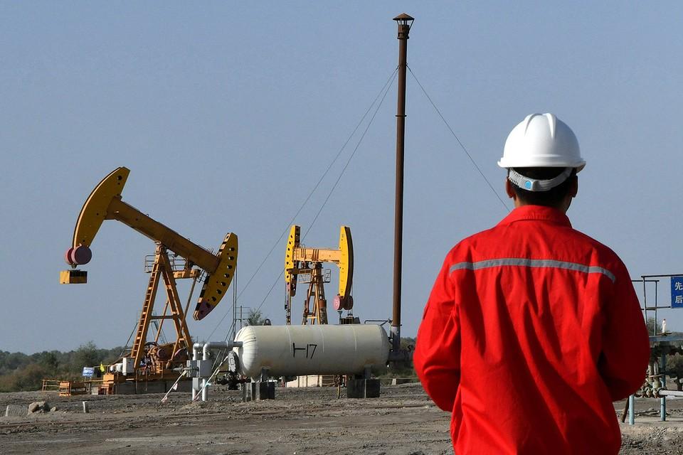 После авиаударов Ирана по американской военной базе нефть начала дорожать.