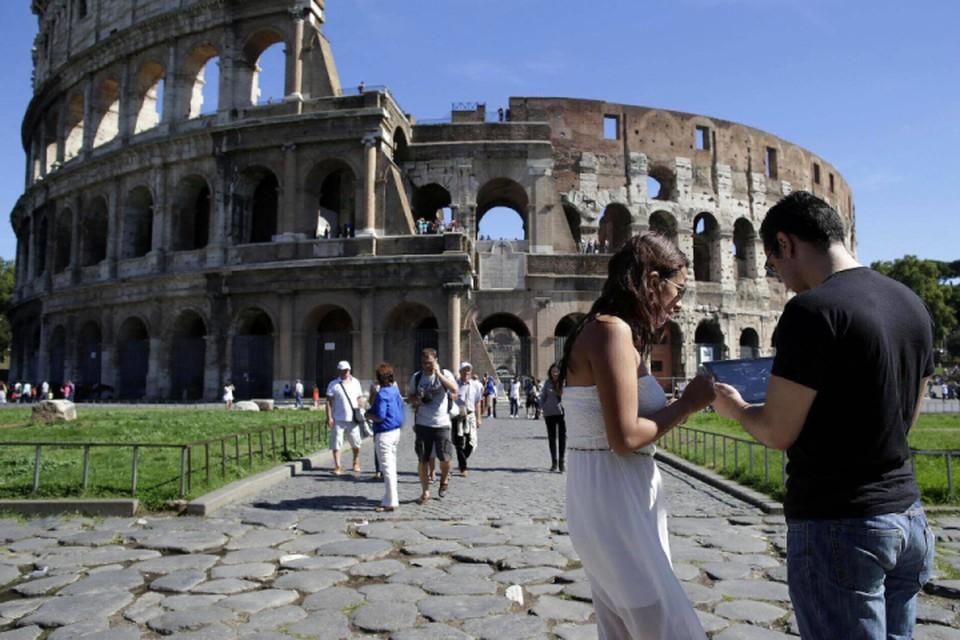 В Риме запретили продавать сувениры и фастфуд у популярных туристических достопримечательностей