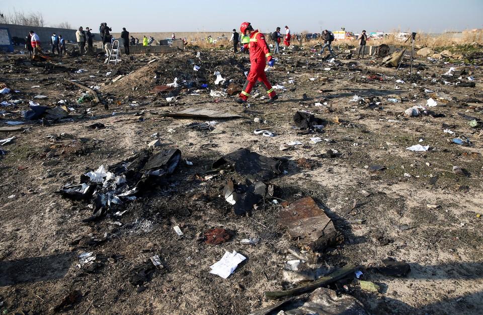 """На месте крушения """"Боинга"""" Украинских международных авиалиний под Тегераном."""