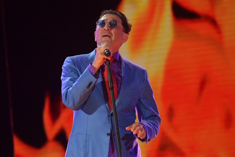 Мишустин является автором музыки к двум песням Григория Лепса - «Зола» и «Настоящая женщина».