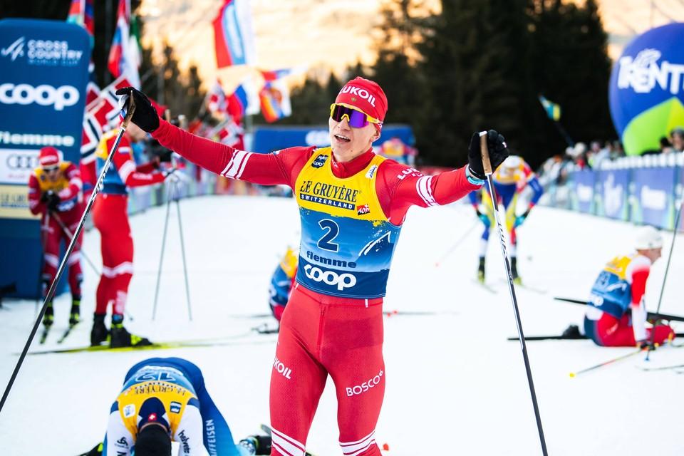 Александр Большунов - первый в гонке на 15 км в Нове-Место.