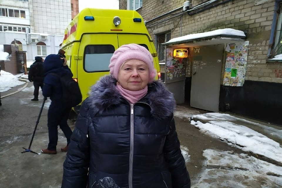 Елена Николаевна припомнила, что прошлым летом у женщины с первого этажа прорвало трубу