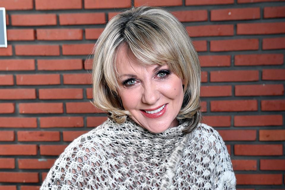 Елена Яковлева в одном из интервью признавалась, что переживает по поводу своего старения