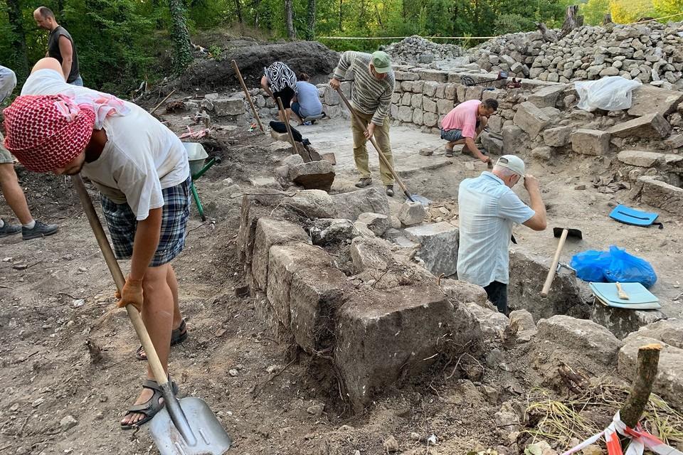В Крыму работы археологам хватает. Фото: пресс-служба КФУ