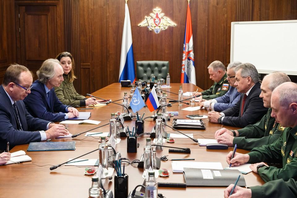 На двусторонней встрече в Москве российский министр предложил обсудить Педерсену ряд проблемных вопросов