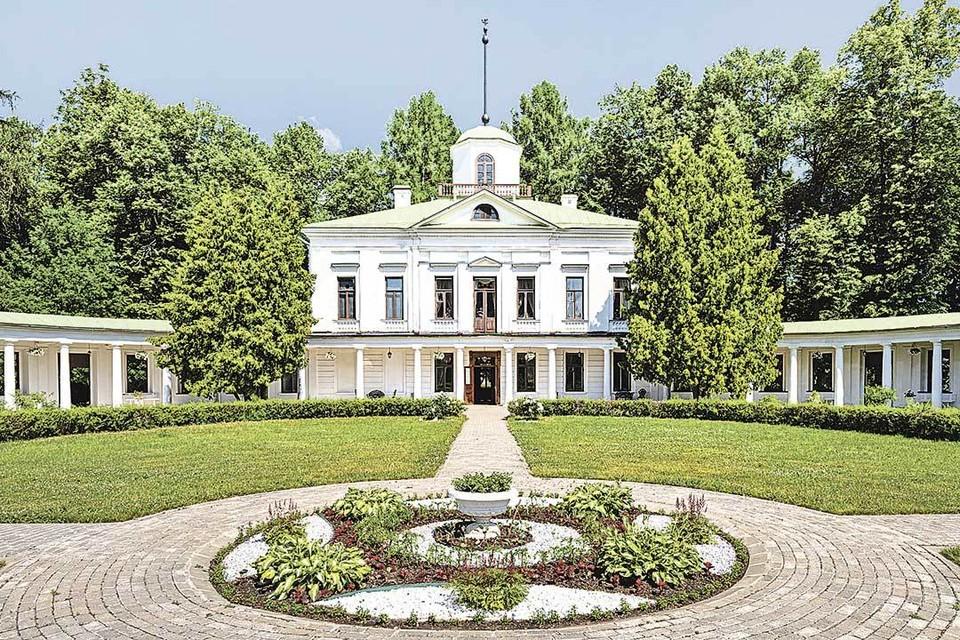 Восстановленная усадьба Лермонтова Середниково. Чтобы привести все в первоначальный вид, ушло 25 лет и 300 миллионов рублей.
