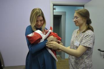 В России выросли пособия по материнству