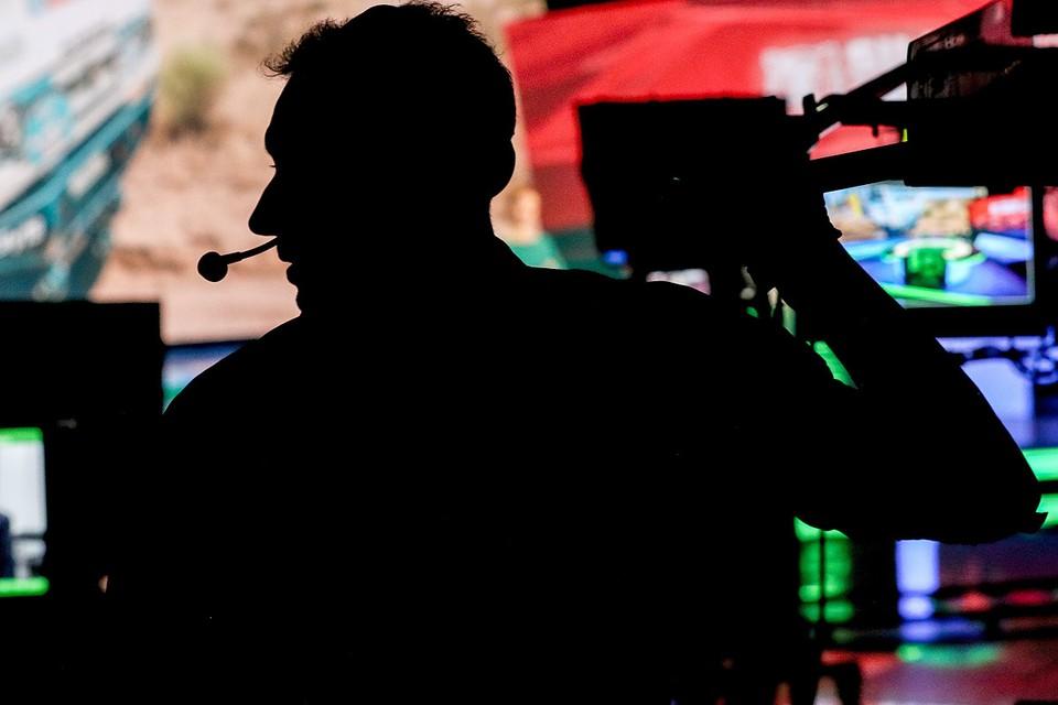 """Оператор во время прямого эфира программы """"Сегодня"""" на телеканале НТВ. Фото: Михаил Терещенко/ТАСС"""