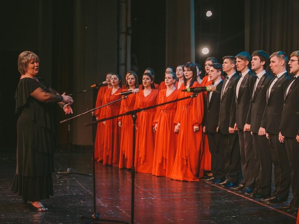 Завершилось праздничное мероприятие концертом, которые подготовили студенты КГМУ