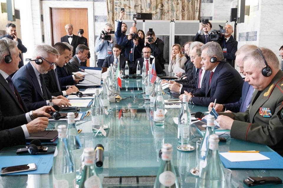"""Подобные переговоры в формате """"2+2"""" проходили почти семь лет назад - в августе 2013 года. Фото: Пресс-служба Минобороны РФ"""