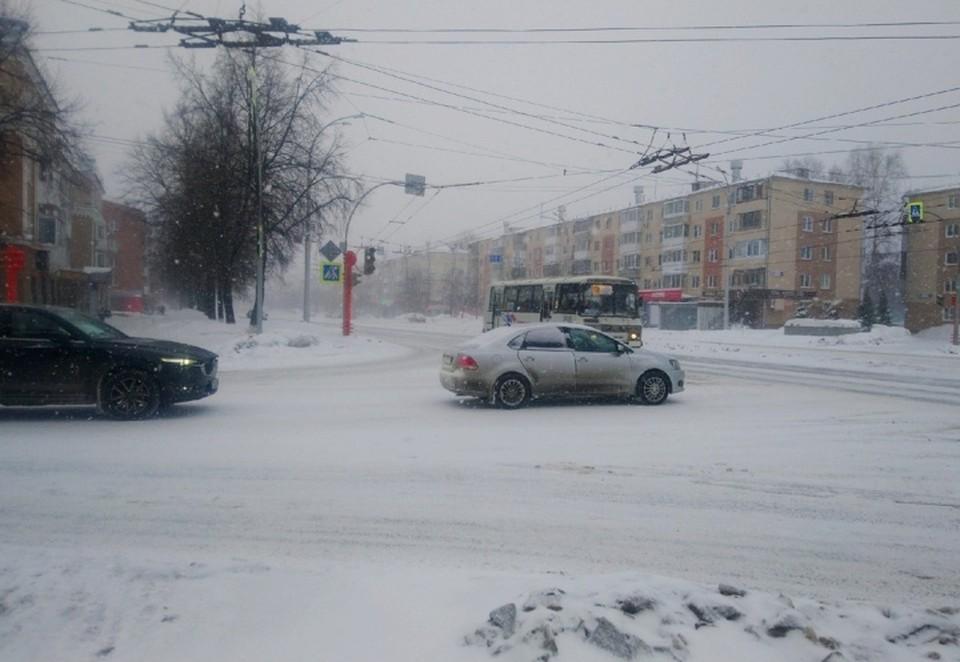 Напротив Парка ангелов в Кемерове не работают светофоры