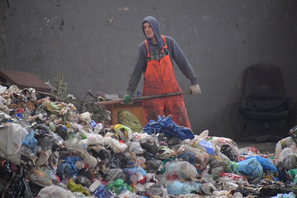 На полуострове обустроят 37 специальных площадок для временного накопления мусора