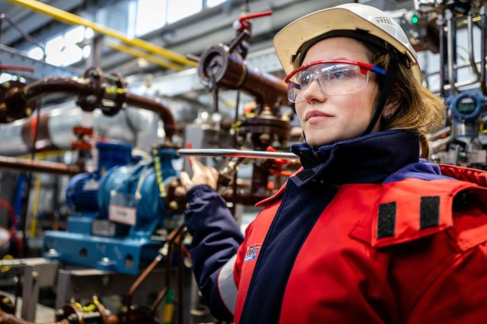 Нефтяные работы для девушек работа девушка модель мужской