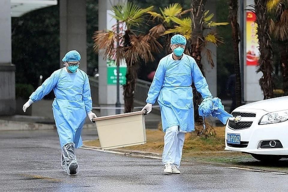 В Китае сокращается число новых случаев инфицирования