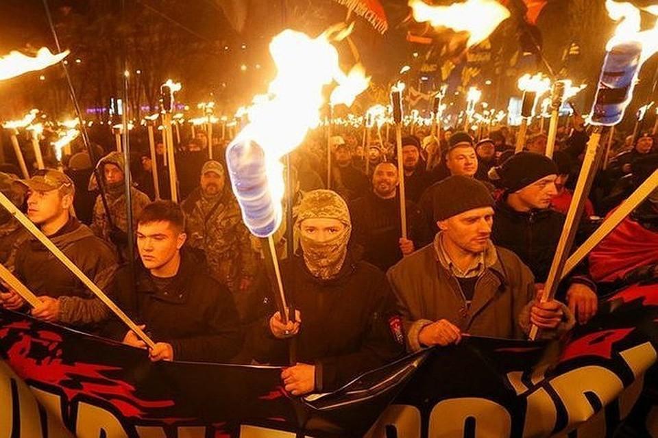 Во Львове националисты призывают сжечь лицей вместе с учениками за то, что там учат на русском