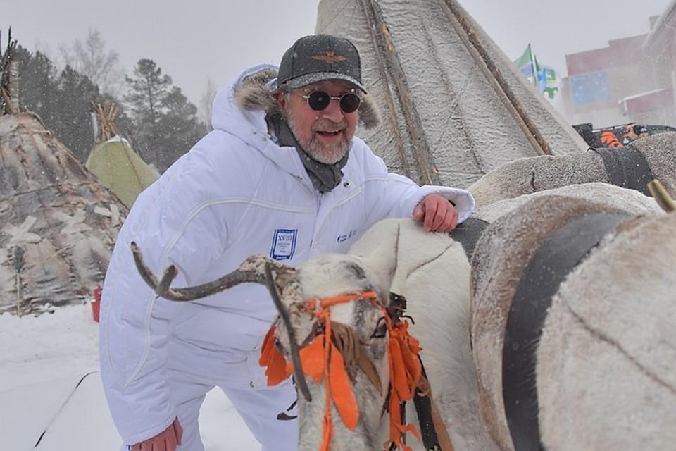 Вместе с коллегами Ярмольник посетил традиционный праздник для Ханты-Мансийска «День оленевода»