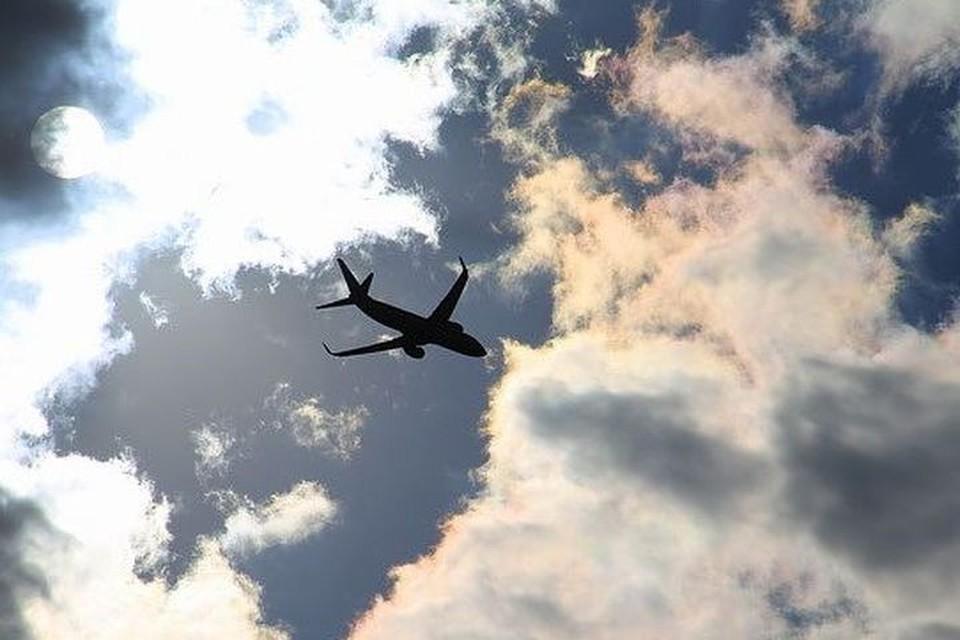 Борт благополучно приземлился в Москве.