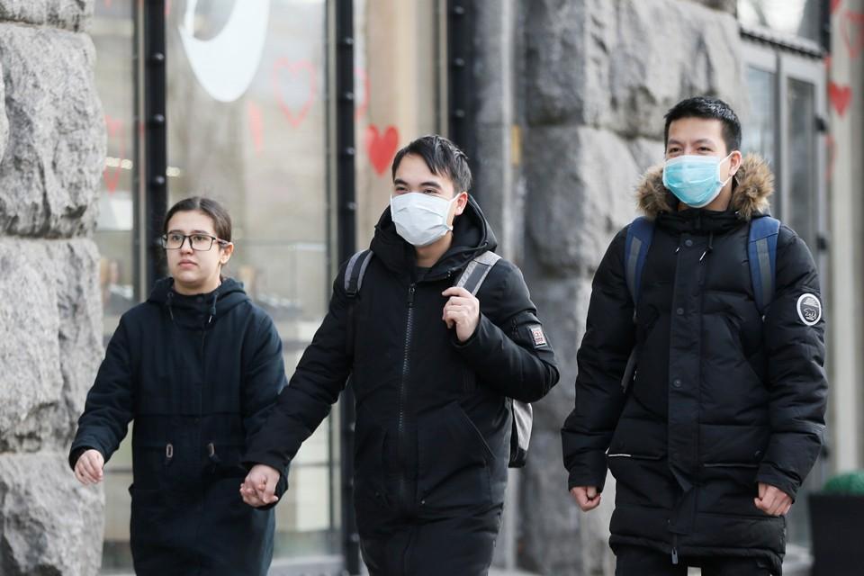 Защитную марлевую маску можно купить за 20 гривен в Интернете, причем без всяких проблем, хотя цена ей 2 гривны