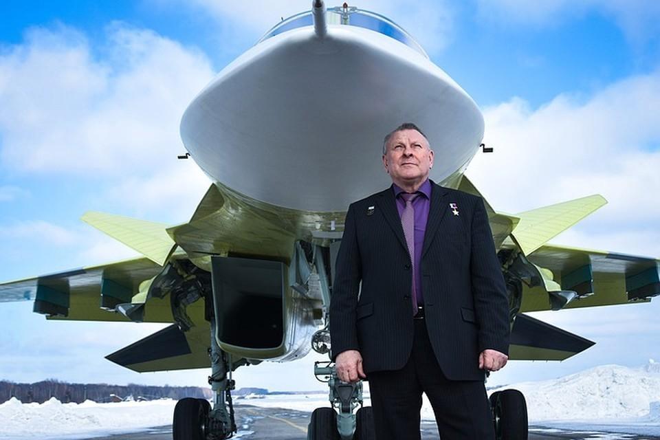 Заслуженный летчик-испытатель Валерий Поташов в авиации 52 года