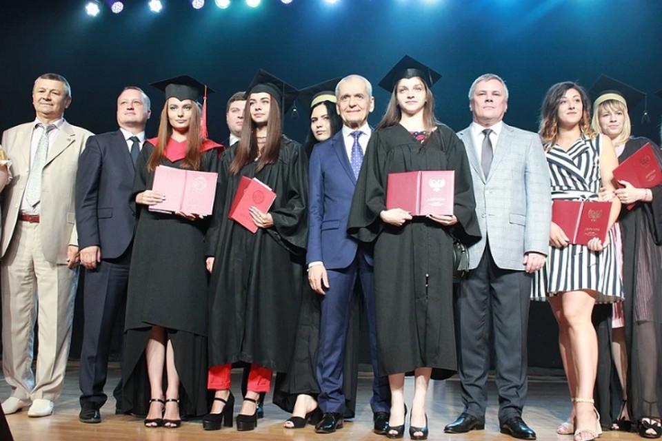 Уже 70 процентов образовательных программ ДонНУ прошли аккредитацию в РФ