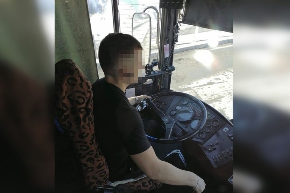 Тот самый водитель, на которого жалуются пассажиры. Фото: «ЧС54   Новосибирск».