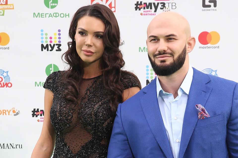 Джиган с супругой Оксаной Самойловой, 2017 год.