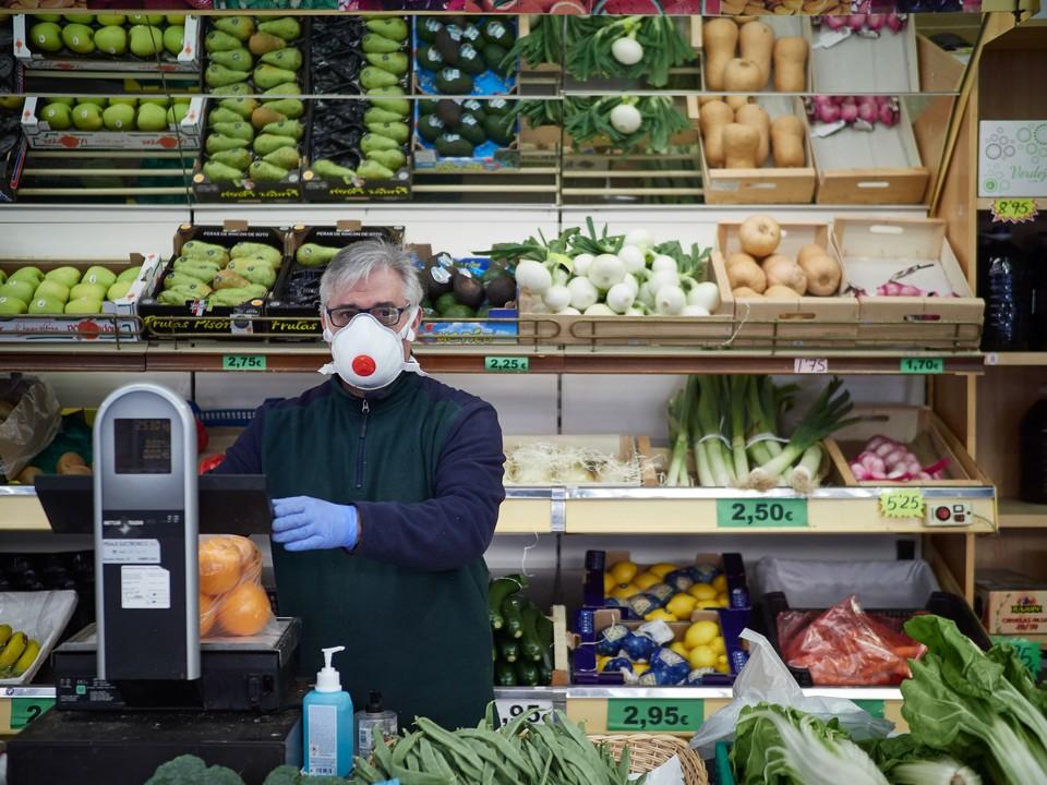 Число заболевших в Испании достигло 72 248 человек, а погибших от коронавируса стало больше, чем в Китае
