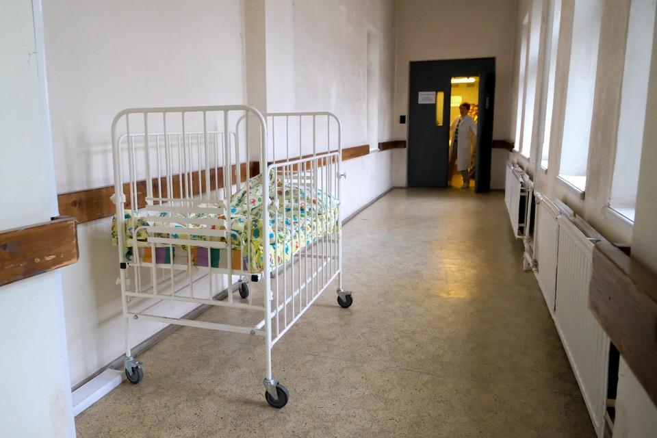 """Из-за наплыва """"сезонных"""" пациентов в некоторых городских больницах закончились свободные койки."""