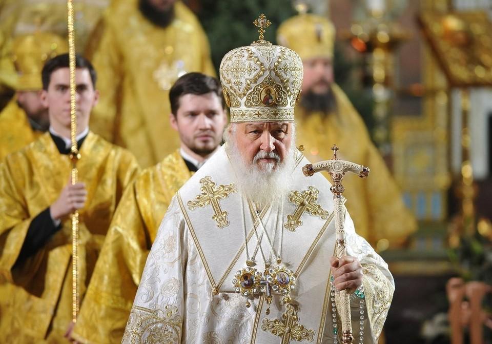 Патриарх Кирилл попросил прихожан на время пандемии не ходить в церкви