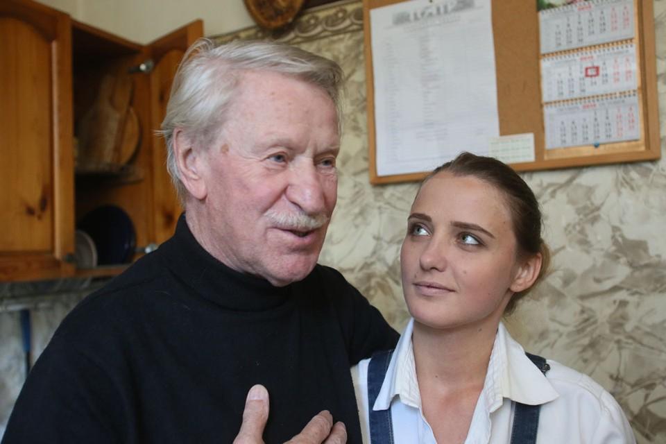 Актер заставил говорить о себе в связи с возможным воссоединением с четвертой женой Натальей Шевель, которая младше народного артиста на 60 лет.