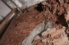 В многоэтажке Ижевска из-за постоянной сырости обвалилась стена