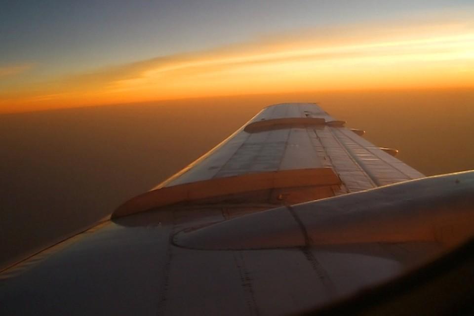 Самолет с медицинским оборудованием вылетел в США
