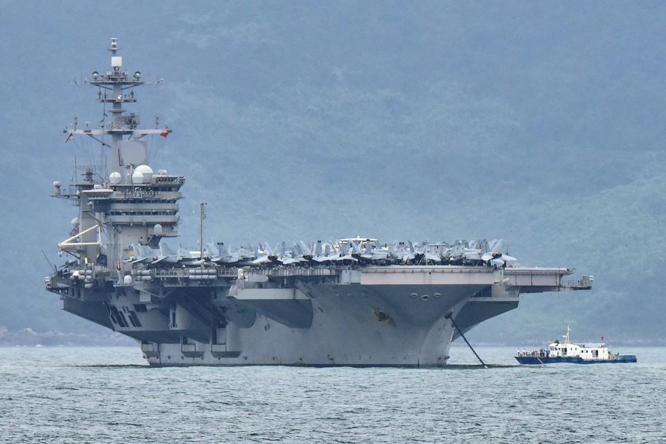Авианосец «Теодор Рузвельт» у берегов Вьетнама, март 2020 года.