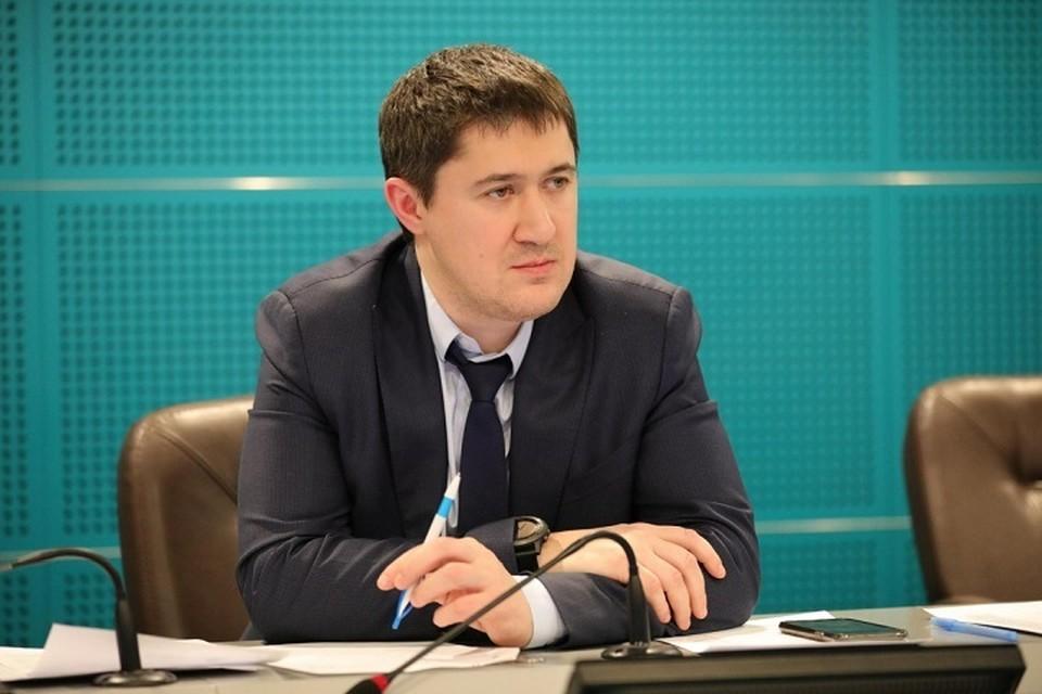 Дмитрий Махонин поручил минсоцразвития края связаться с родственниками Анастасии Петровой. Фото: Правительство Прикамья