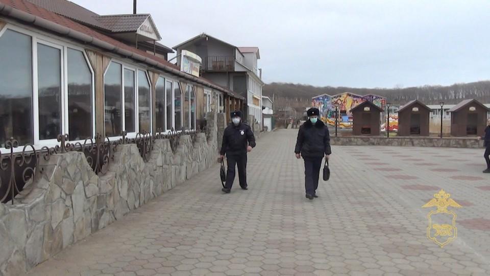Полиция продолжает проверки заведений общепита.