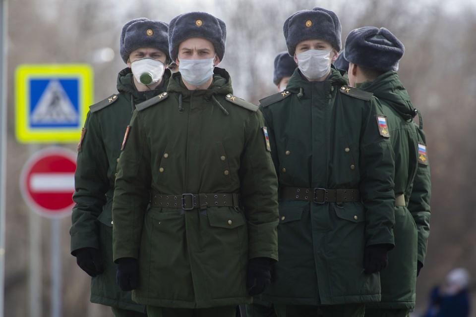 Борьба с эпидемией официально возложена на руководителей российских регионов.