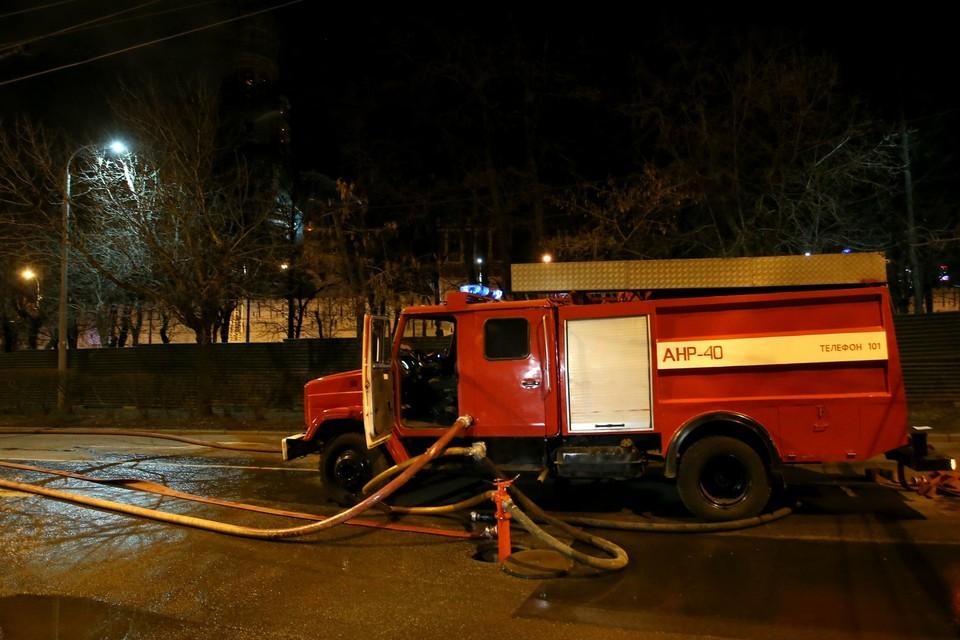 Поздно вечером, в среду, 8 апреля, на западе Москвы, на 3-й Мякининской улице, загорелся дом престарелых