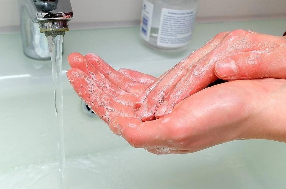 Промывание носа соляным раствором считается лечением