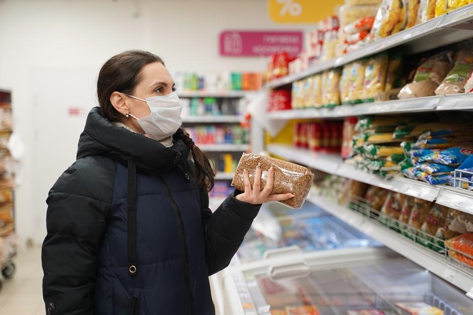 По данным Росстата, общий уровень инфляции за неделю составил всего 0,1 процента, однако некоторые продукты питания подорожали немного сильнее.