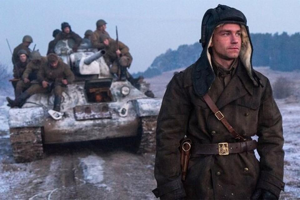 """B 21.00 на телеканале «Россия» начнется показ расширенной трехчасовой версии фильма """"T-34""""."""