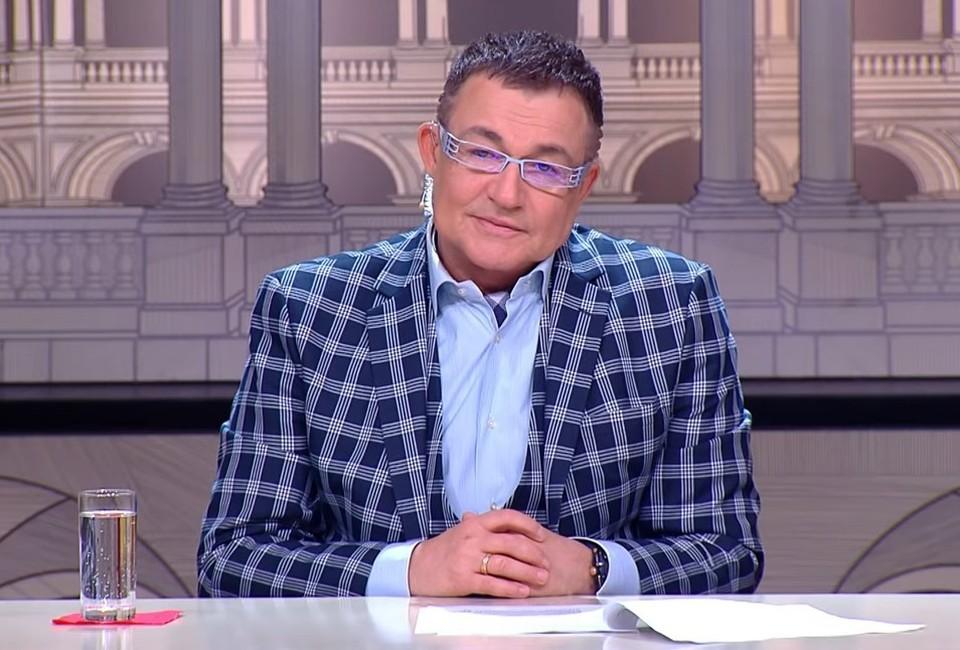 """Дмитрий Дибров в телешоу """"Модный приговор""""."""