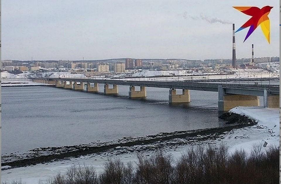 """Искать мужчину начнут от моста через Кольский залив. Фото: архив """"КП"""""""