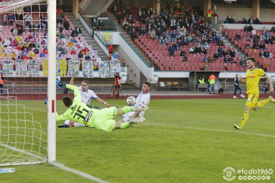 Тот самый ключевой момент: Савицкий не забил из выгодной позиции. Фото: ФК «Динамо-Брест»