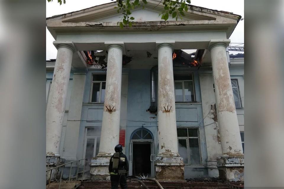 Здание больницы изрядно пострадало. Фото: администрация Партизанского городского округа.