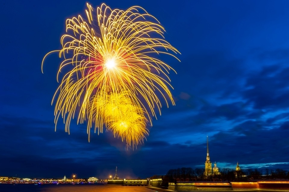 Жаль, что в этом году День города 2020 в Санкт-Петербурге обойдется без главного аккорда праздника