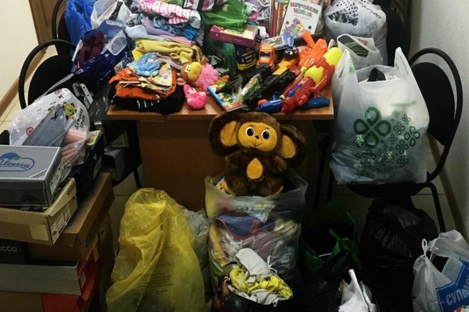 Для малоимущих семей собирают игрушки, книги и детские вещи. Фото: admkirov.ru