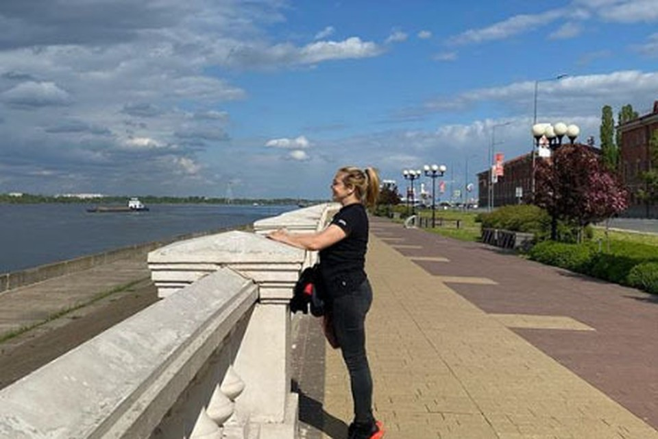 Последний месяц актриса Ирина Пегова провела в своем особняке в Выксе.