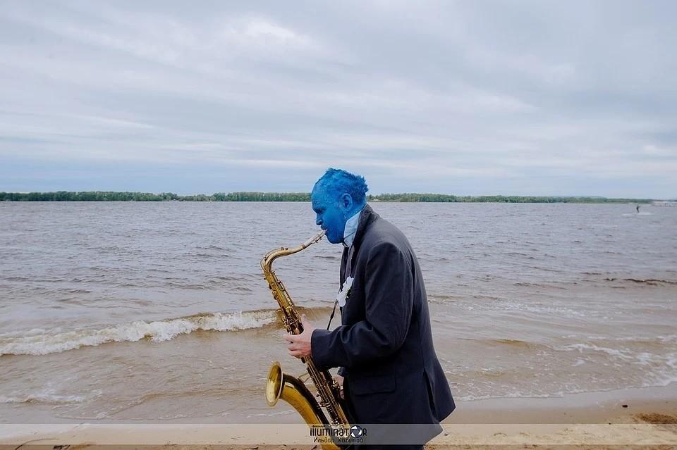 Андрей Шабанов играет в джазовом-оркестре и часто выступает на городских мероприятиях