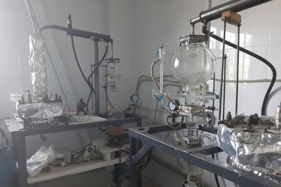 В одной из лабораторий. ФОТО: Тамара Смирнова